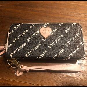 Betsey Johnson wallet wristlet clutch Black white